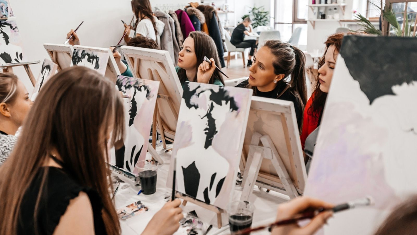 Celebrate mum with a paint and sip sesh